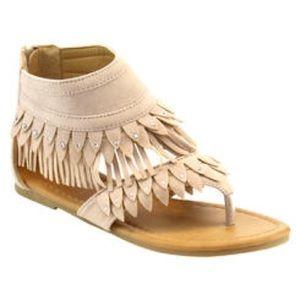 Other - 🎀Girl Sandals🎀 Beige fringe sandals