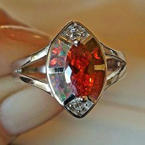 Jewelry - NWOT - Ring sz 7-Azotic Topaz  SS.925