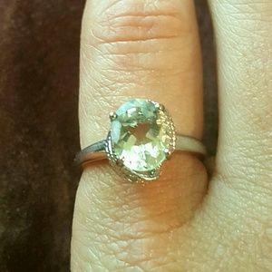 Jewelry - NWOT - RING sz 7-Green Amethyst