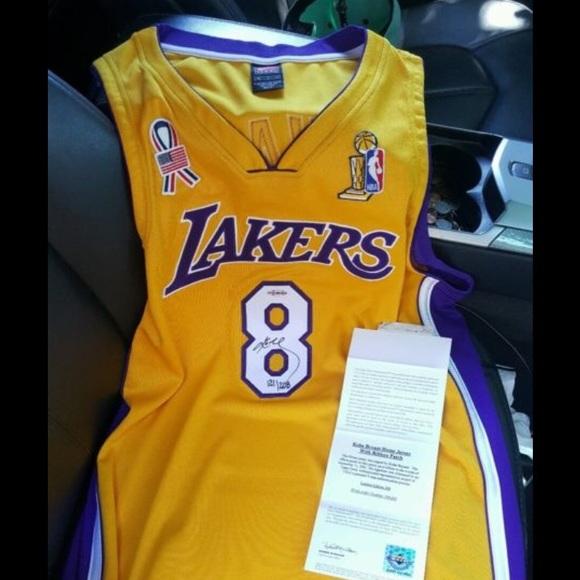 911d91342a7 Kobe Bryant autographed jersey