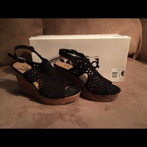 Crocheted Wedges - black and brown