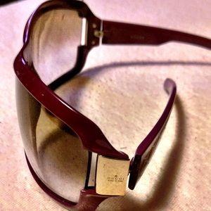 ada3c4be9cfe3 Gucci Accessories - Gucci sunglasses