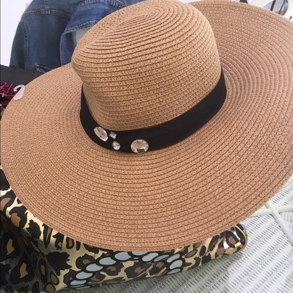 Ashley Stewart tan floppy hat with black band 335737eb8347