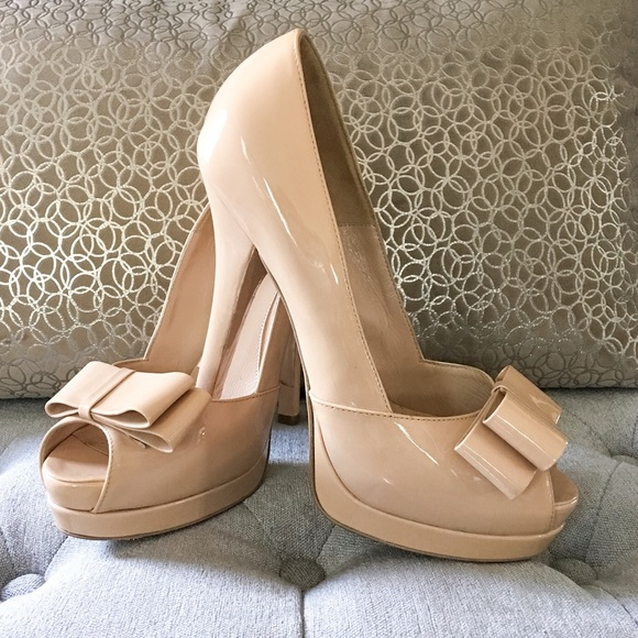 Fendi Shoes - Fendi Nude Patent Bow Peep Toe Heel 38.5