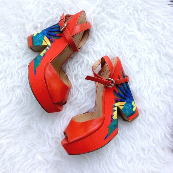 fff248d5c240b Nine West Brasil Trois Chic Platform Sandals. M 57928f8f2de512f6b3025692