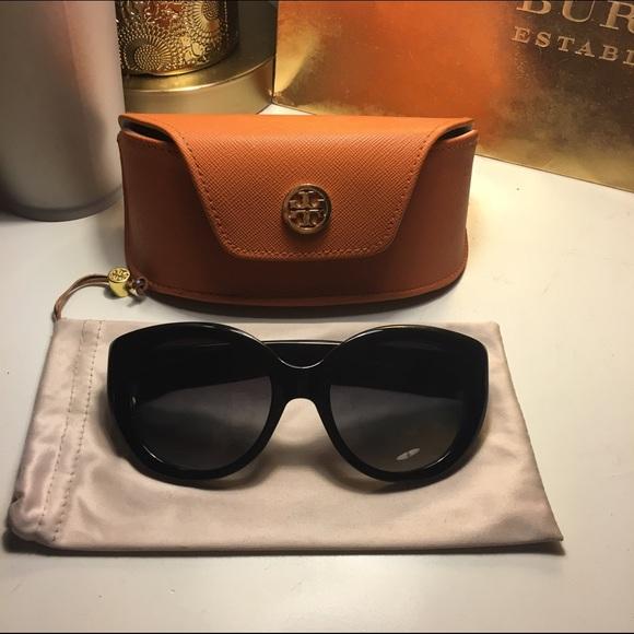 eeab8fade8509 Tory Burch Modern Serif T Cat Eye Sunglasses