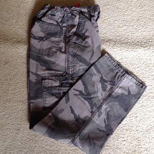 Wrangler Other - Pants in dark Camo
