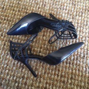 Fergie Shoes - NIB Fergie 'Gardenia' Black Leather Pumps Heels
