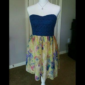 City Studio Dresses & Skirts - Strapless Sweetheart Dress