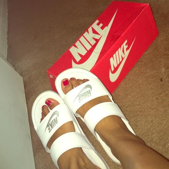 74e53409d56 Like New Nike Benassi Duo sandals. M_5792d00741b4e0682b014494