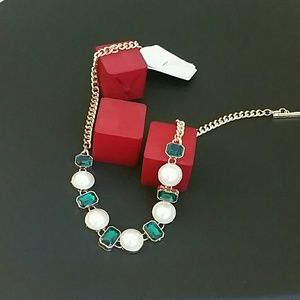 Pearl and Green stone necklace
