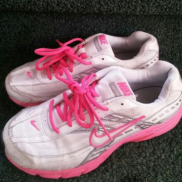 93264f289ddc Women s Nike initiator white pink sneakers sz 9.5.  M 57936ca078b31c4b64000de1