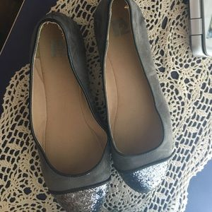 Flats- dark grey with sparkle up front