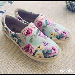 Miz Mooz Serafina Floral Slip On Shoes - Size 6