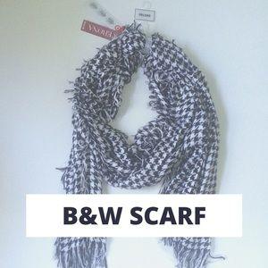 Merona NWT Black & White Scarf