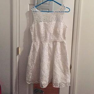 BB Dakota Dresses & Skirts - White BB Dakota A-line dress