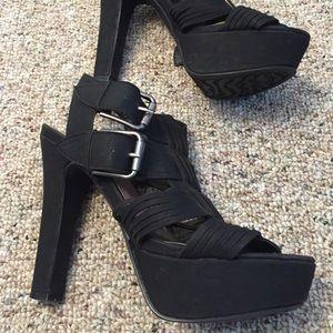 Pink & Pepper Shoes - Black side Buckle Heels