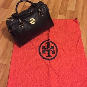 Tory Burch Bags - Tory Burch Doctor's Bag Leather