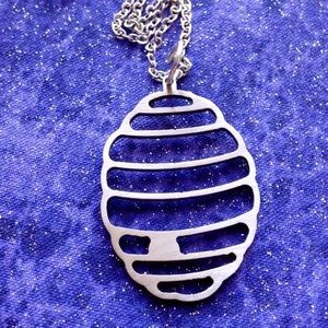 Jewelry - Bee hive charm necklace