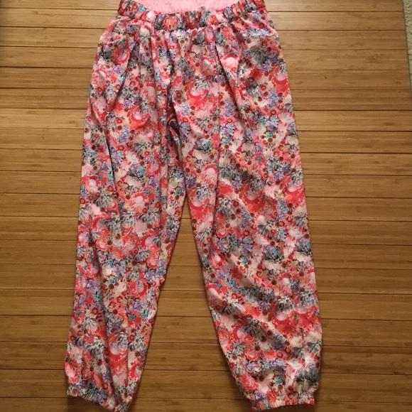 735f580e4 lululemon athletica Pants - Lululemon floral jogger pants size 6