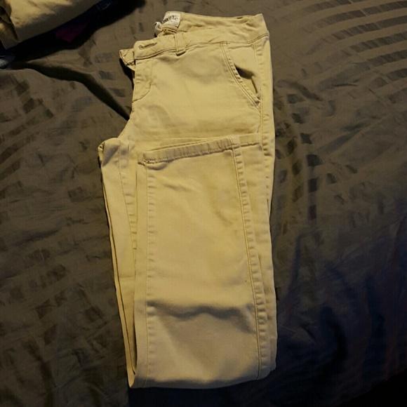 80 off aeropostale pants aeropostale khaki skinny pants