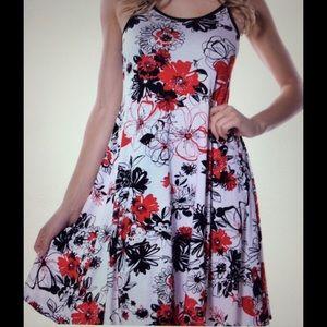 Pastels Clothing Dresses & Skirts - Soft, flowing floral print Dress