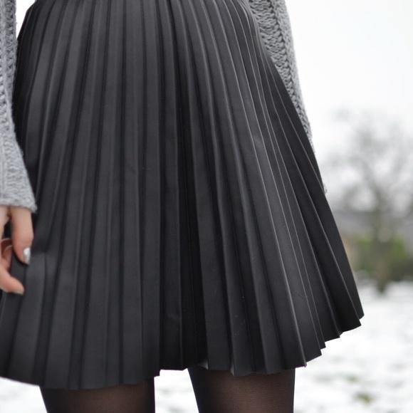 49 zara dresses skirts zara faux leather pleated