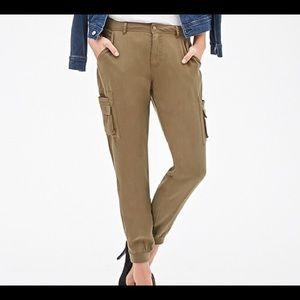 Forever 21 Pants - Forever 21 Olive Woven Cargo Joggers