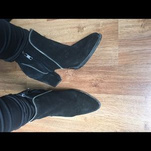 Black Suede Zara Boots w Zipper Detail