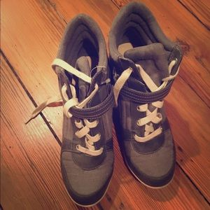 Gray 3inch wedge sneakers
