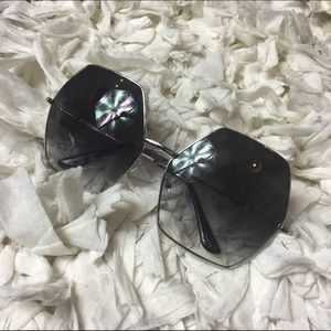 Accessories - Extra Large hexagon style summer sunglasses