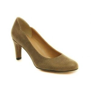Vaneli Shoes - Vaneli Ursilla Pump in Taupe
