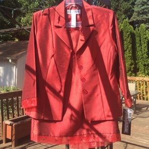 NWT Jessica Howard 2 pcs jacket/skirt Ruby colored