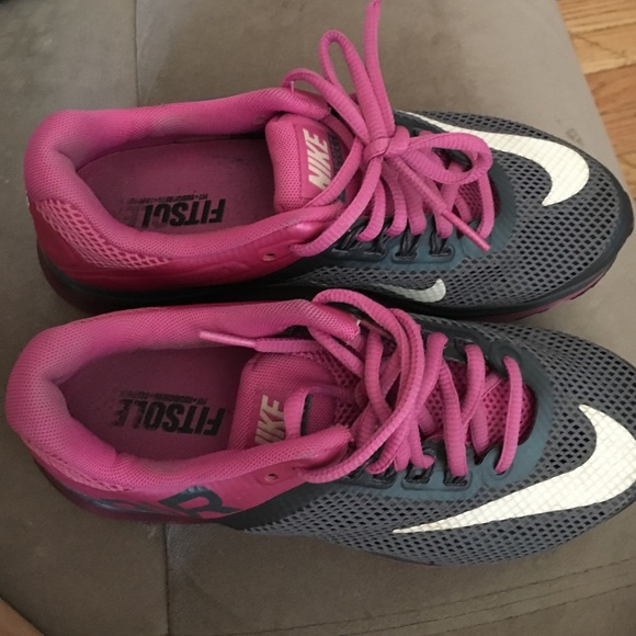 new style 78772 c61a1 NIKE AIR MAX FITSOLE 2 Womens SIZE 6