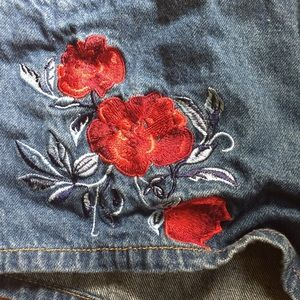 Free People Shorts - Embroidery floral roses Jean shorts 10 H&M