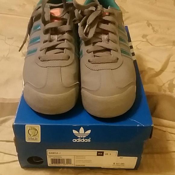 adidas Other - YOUTH GIRLS Adidas Samoa Athletic Shoes. Size 5Y 6dfca6ebe724