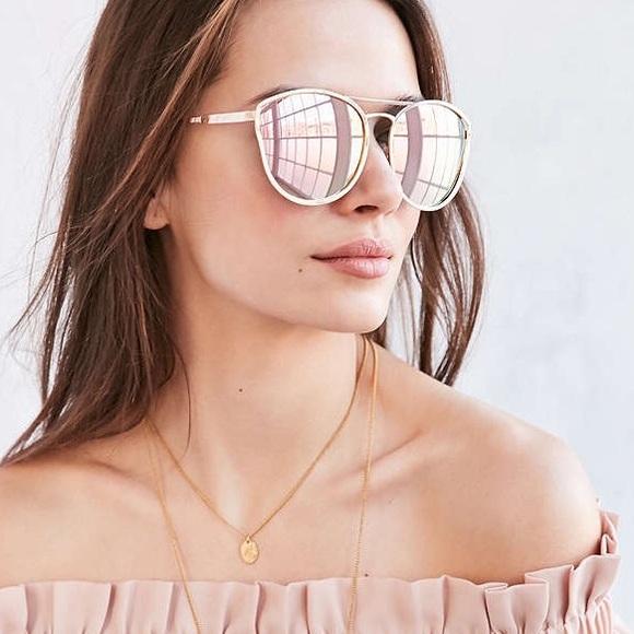 4b56e7587c777 NWOT Quay Cherry Bomb Rose Gold Sunglasses. M 5795057613302a925306528c