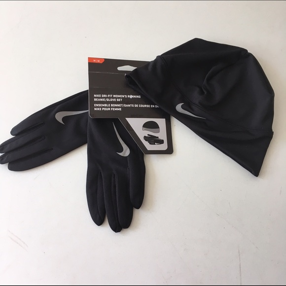 8d8a90b45a79 Nike Accessories   Gloves And Hat Nwt Size Xs Drifit   Poshmark