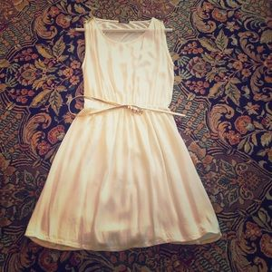 Massimo Dutti Dresses - Simple white dress with a touch of gold 4e16333fe