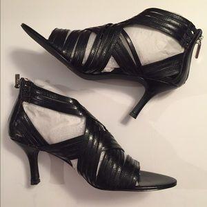 Gabriella Rocha  Shoes - Gabriella Rocha Black Leather Strappy Sandals