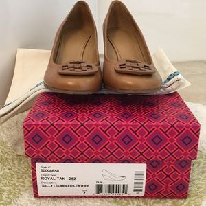 1af36374424f Tory Burch Shoes - Tory Burch Sally Wedge Size 7