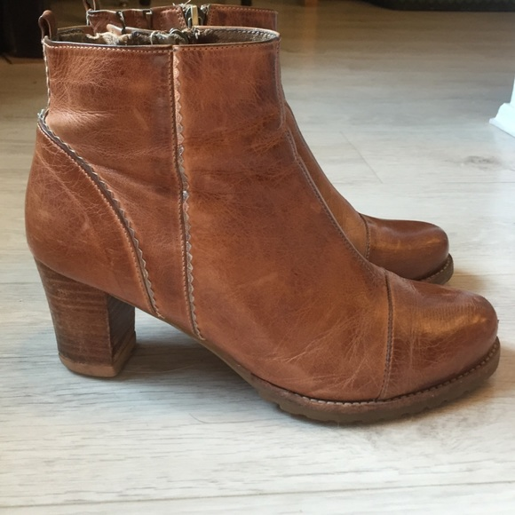 31bbb57677f Antelope Shoes - ❤️Sale!❤ Tan Leather Booties Silver Leather Trim