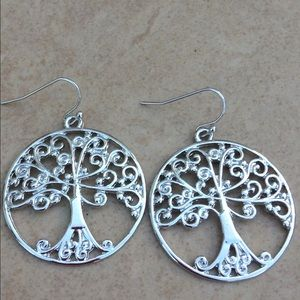 Jewelry - Silver Tone Polished Family Tree Circle Earrings