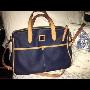Dooney & Bourke Handbags - SOLD IN BUNDLE Dooney & Burke Navy Purse