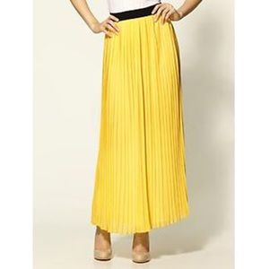 Hive & Honey Dresses & Skirts - Hive & Honey Yellow Pleated Maxi Skirt