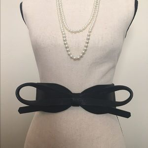 Accessories - Black stretch bow belt