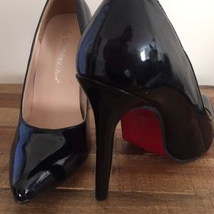 Zara Shoes - Red sole black pumps