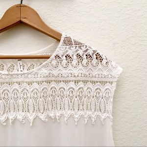 Willow & Clay Crêpe and Lace Boxy Top