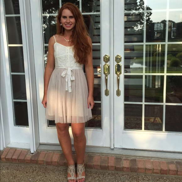 93486a72d4 American Eagle Outfitters Tulle Dress