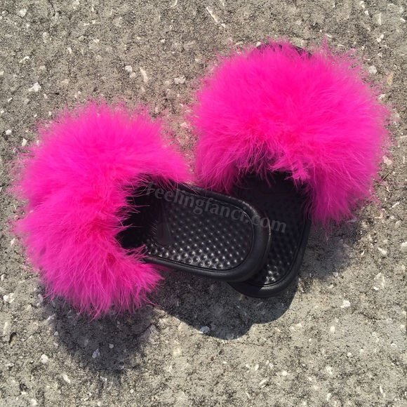 Pink Faux fur Nike slides in Kids